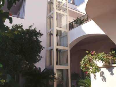 minilift-struttura-esterna-bianca